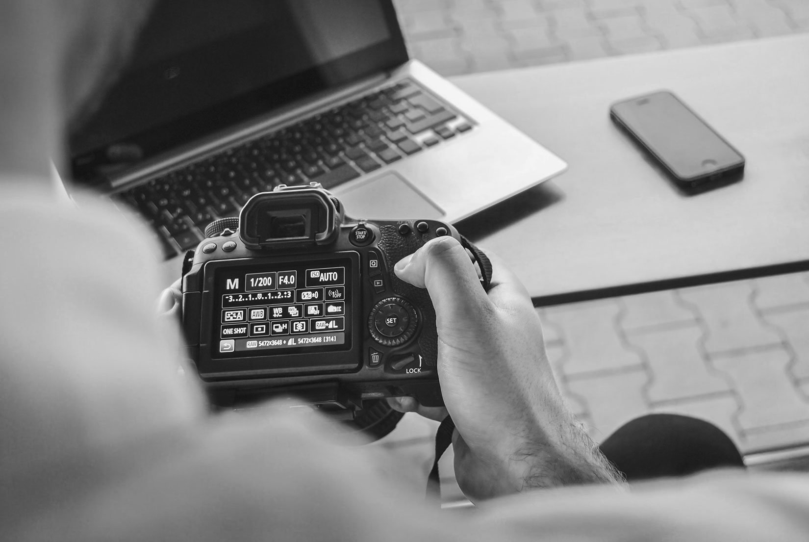 Ο ρόλος του επαγγελματία φωτογράφου στην εικόνα ενός προϊόντος