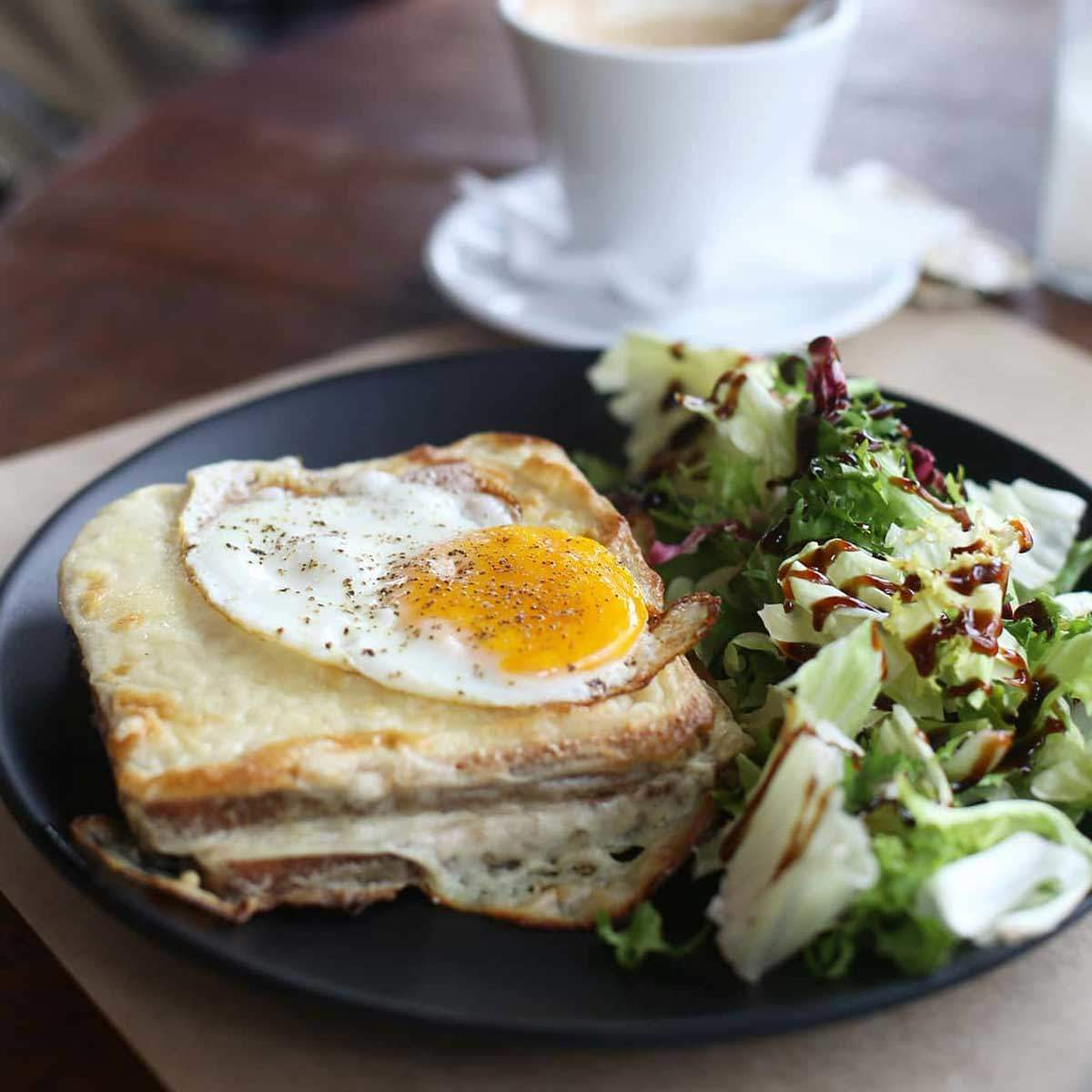 Croque madame brunch